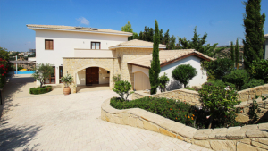 Luxury Detached Villa 277