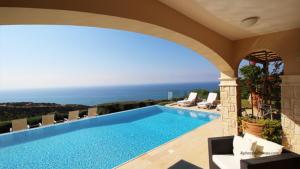 Exquisite Properties 283